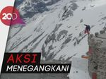 Menuruni Gunung Tertinggi di Italia dengan Papan Ski, Berani?