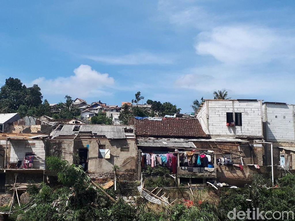 Warga Cerita Ngerinya Puting Beliung Bogor: Seperti Kiamat!