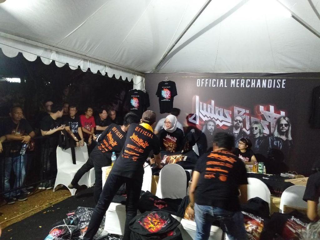 Official Merchandise Judas Priest, Dari Kaos Hingga Topi