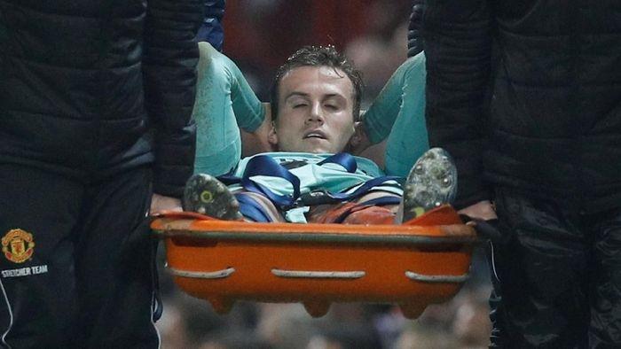 Bek Arsenal Rob Holding absen enam-sembilan bulan karena cedera lutut (Darren Staples/Reuters)