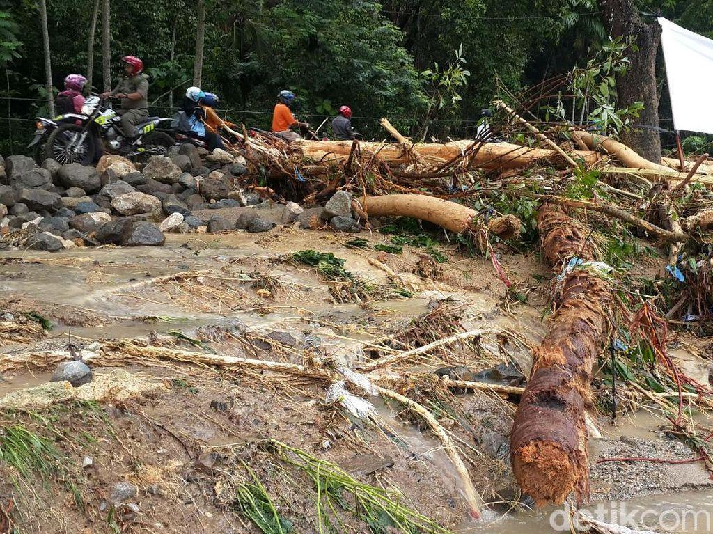 Banjir dan Tanah Longsor Terjang Pacitan