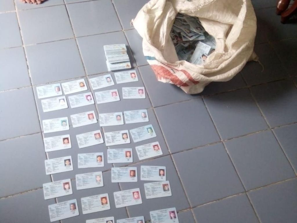Polisi Periksa Staf Satpel Dukcapil soal Tercecernya e-KTP di Jaktim