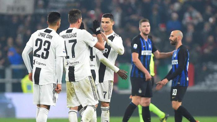 Juventus merayakan kemenangan atas Inter Milan di Derby dItalia (REUTERS/Massimo Pinca)