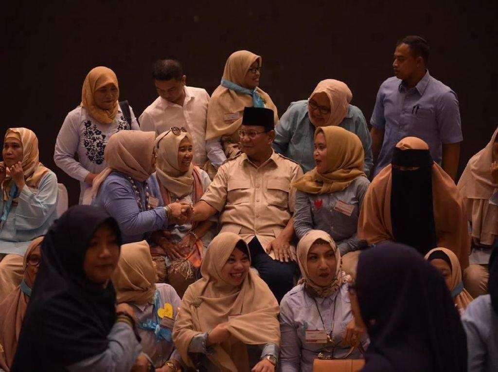 Blusukan Emak-emak Prabowo