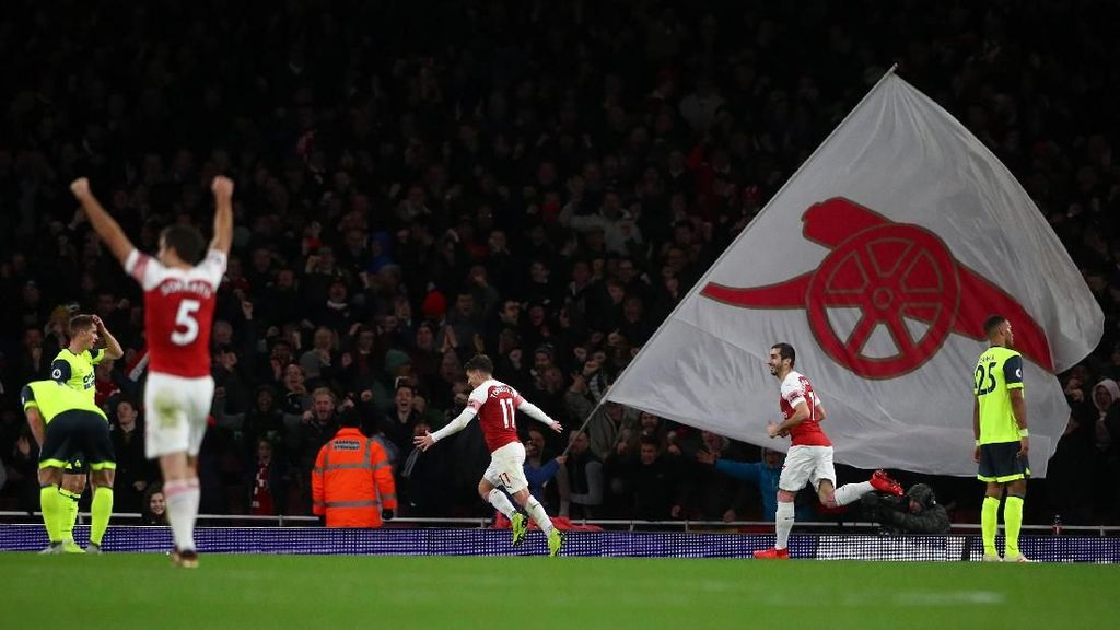 Nyaris Sempurna Arsenal!