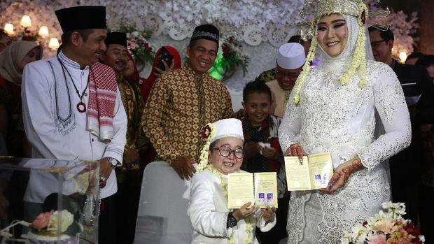 So Sweet, Daus Mini Ajak Istri Honeymoon ke Bali