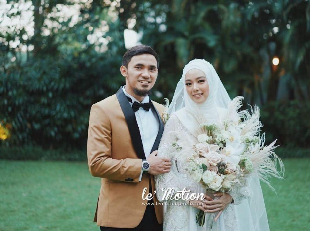 Potret Manis Pernikahan Hulaefi-Lindswell, Serasi Satu Sama Lain