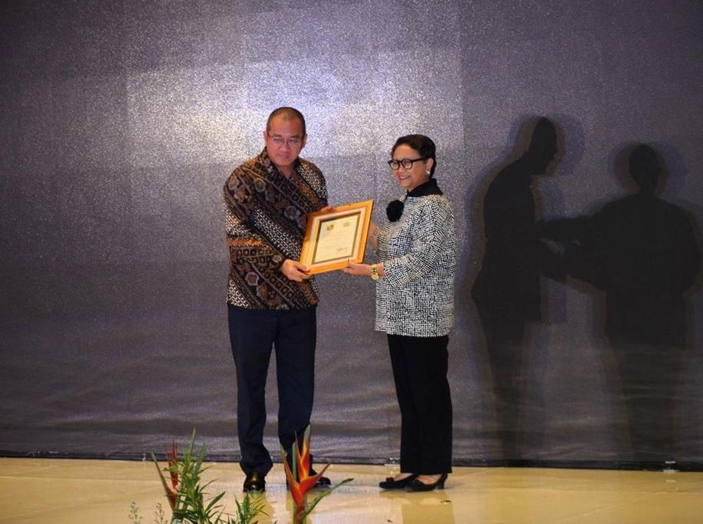Berperan Penting dalam Lindungi TKI, Ditjen AHU Raih Penghargaan