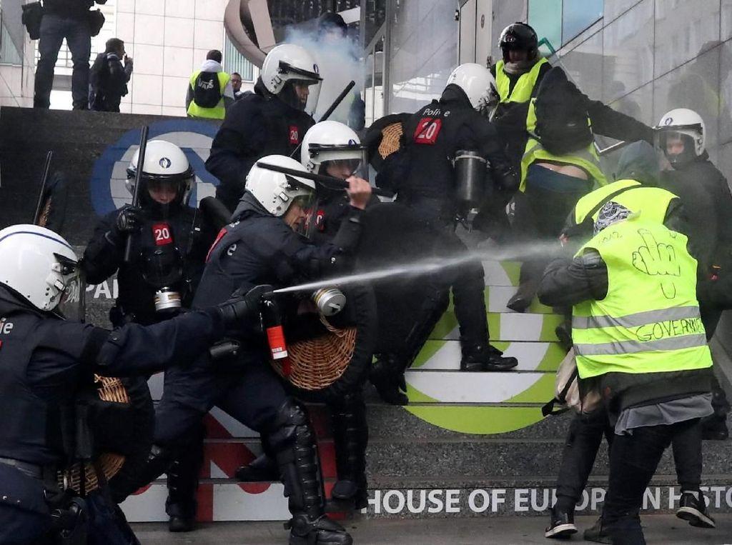 Tambah Lagi, 400 Demonstran Rompi Kuning Ditangkap Polisi Belgia