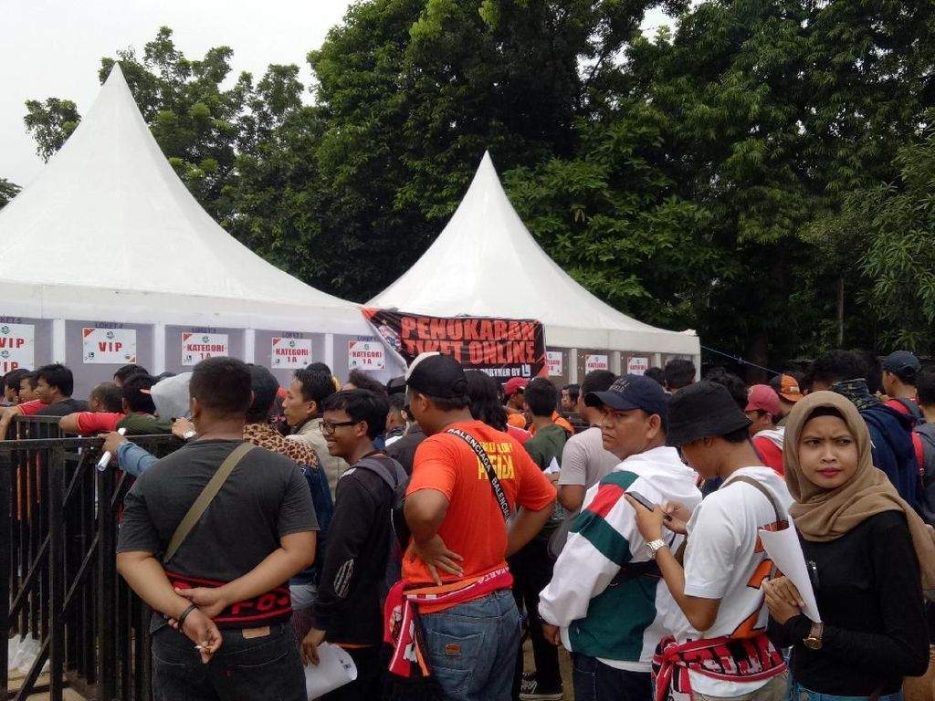 Penukaran Tiket Persija Jakarta Vs Mitra Kukar Mengular