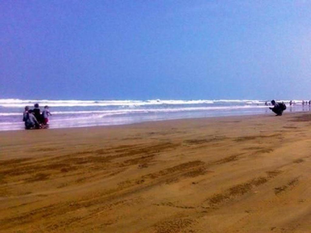 Pantai Bagedur, Satu Lagi yang Cantik di Banten