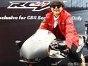 Poppy Sovia Belajar Motor Kopling Pakai Honda GL Pro