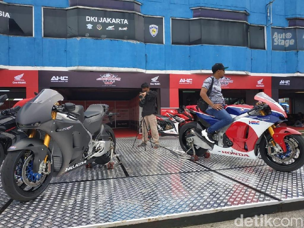 Honda Pilih 10 Orang Beruntung untuk Jajal Motor Marquez