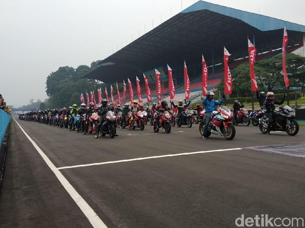 Ratusan Bikers Cicipi Aspal Sirkuit Sentul
