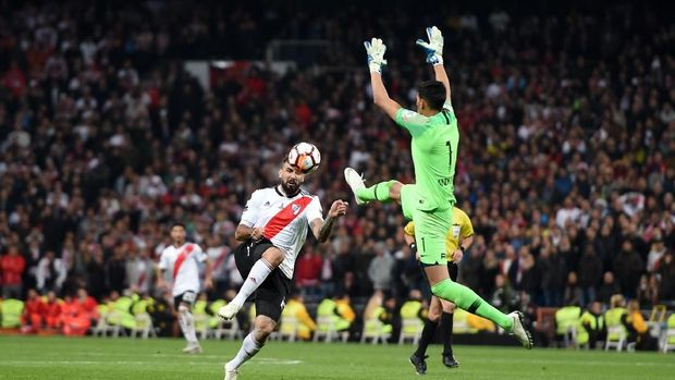 Karena alasan keamanan, pertandingan leg kedua final Copa Libertadores dilangsungkan di Santiago Bernabeu