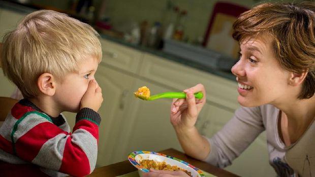 Cara Mudah Mencegah dan Mengatasi Anak Picky Eater