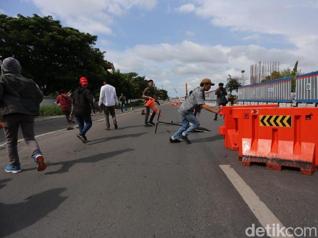 Peringati Hari HAM di Makassar, Mahasiswa dan Warga Malah Tawuran
