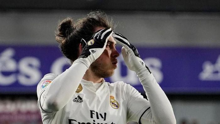 Gareth Bale dicemooh fans Real Madrid karena menolak berinteraksi. (Foto: REUTERS/Vincent West)