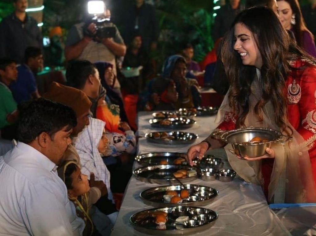 Isha Ambani, Putri Orang Terkaya di India yang Doyan Pani Puri