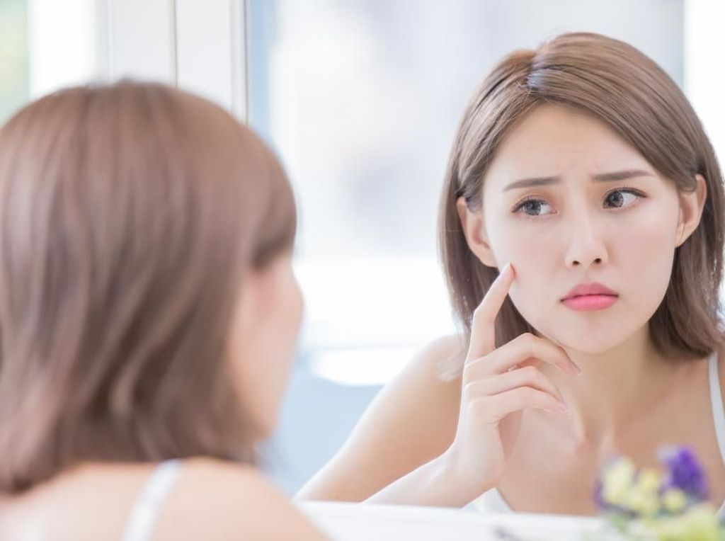12 Cara Menghilangkan Flek Hitam di Wajah Secara Alami