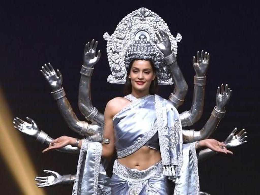 Foto: Uniknya 8 Kostum Nasional Finalis Miss Universe 2018 dari Asia