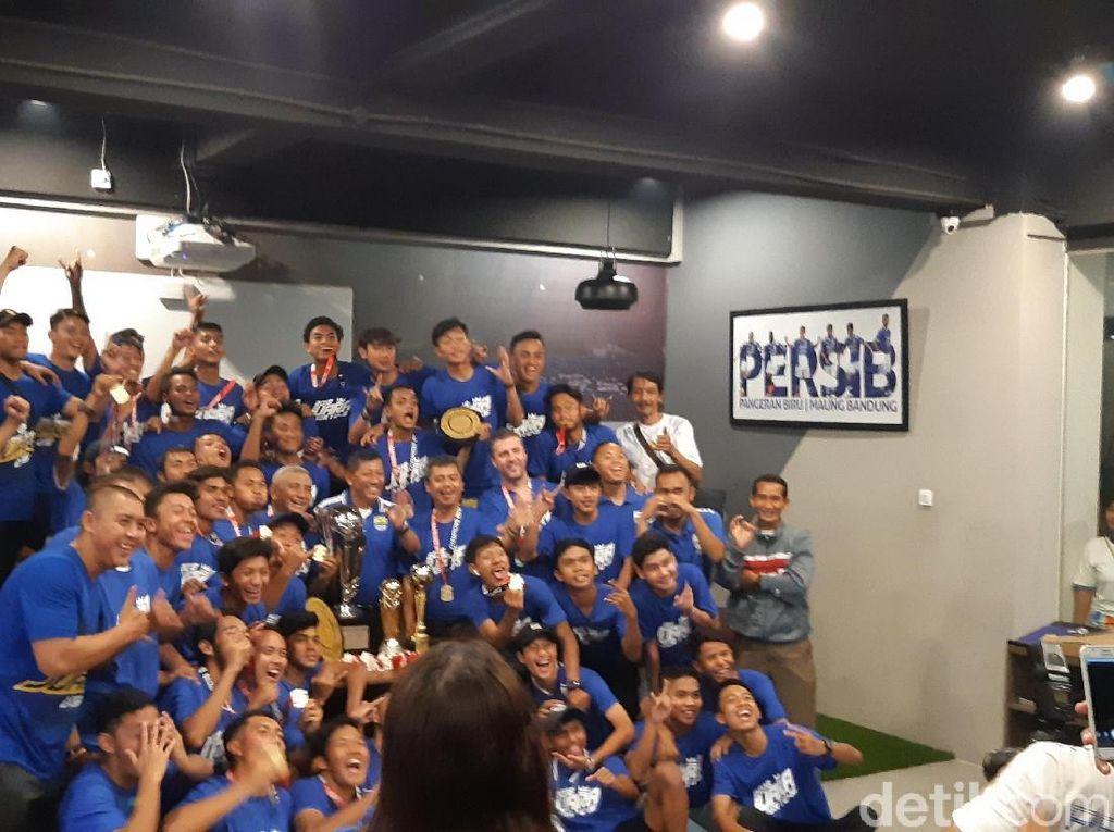 Tim U-16 dan U-19 Juara di 2018, Persib Tetap Fokus Pembibitan Usia Muda