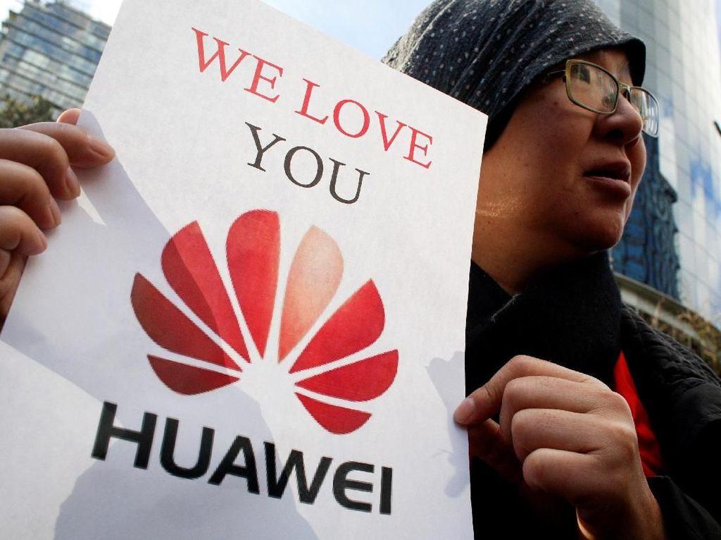 Kami Cinta Kamu di Luar Sidang Bos Huawei Meng Wanzhou