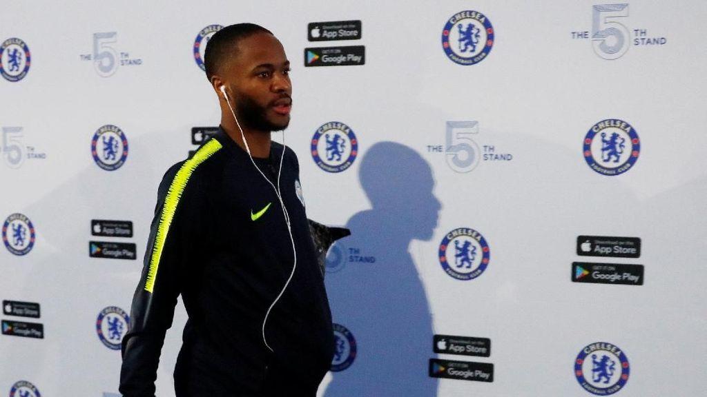 Sterling Jadi Korban Pelecehan Rasial, Hazard Beri Dukungan