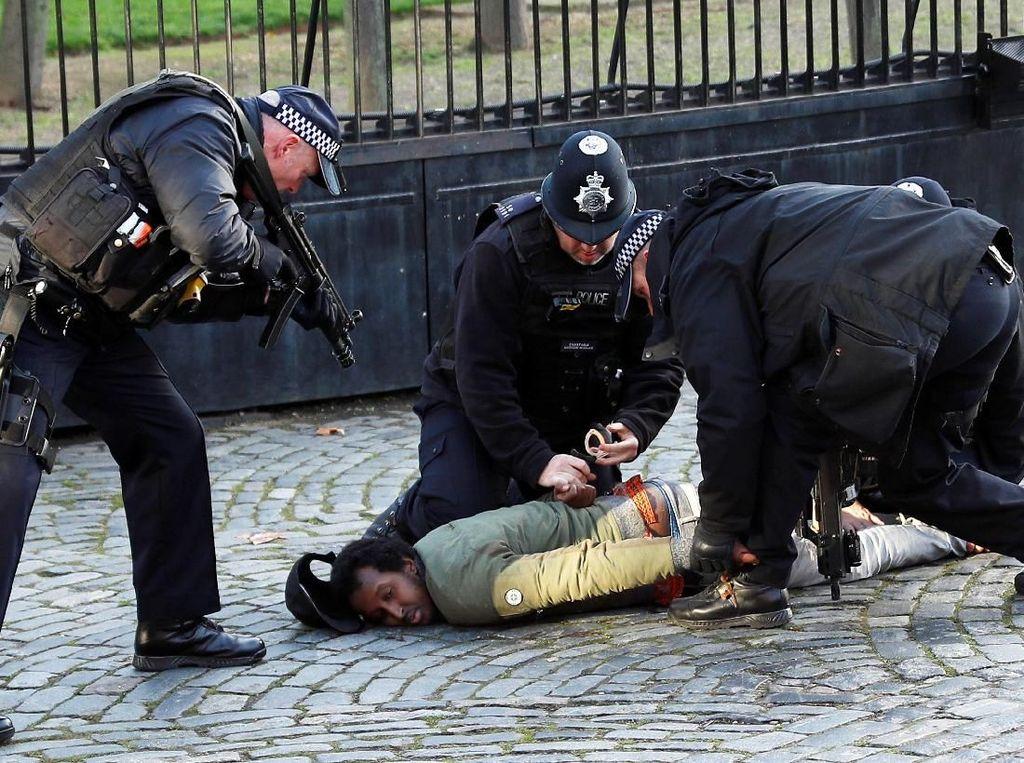 Tolak Aturan Social Distancing, 19 Pendemo di London Ditangkap Polisi