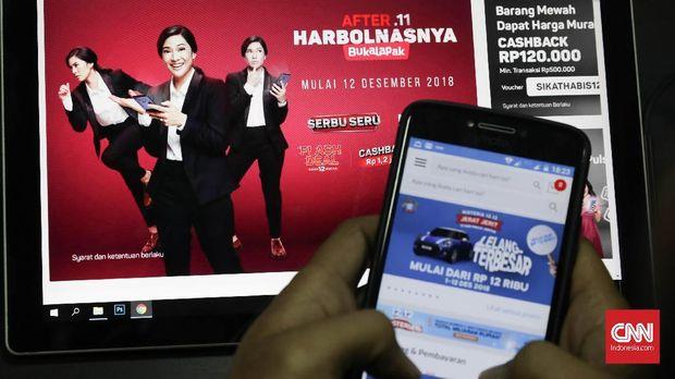 e-commerce yang menawarkan barang diskon pada 12 Desember, Jakarta, Selasa, 11 Desember 2018. CNNIndonesia/Safir Makki