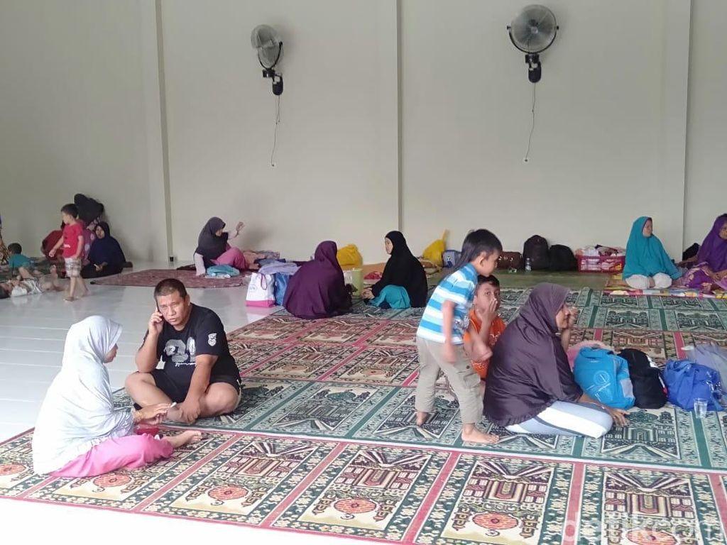 Banjir Belum Surut, Sebagian Warga Pekanbaru Mengungsi