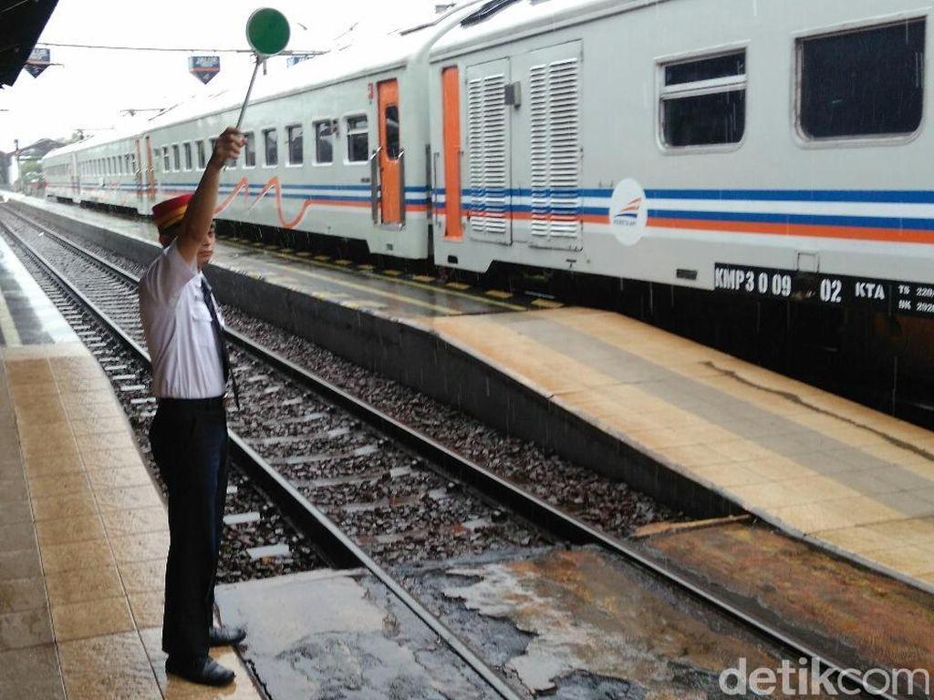 Libur Nataru, 1.400 Petugas PT KAI Siaga di Titik Rawan Bencana
