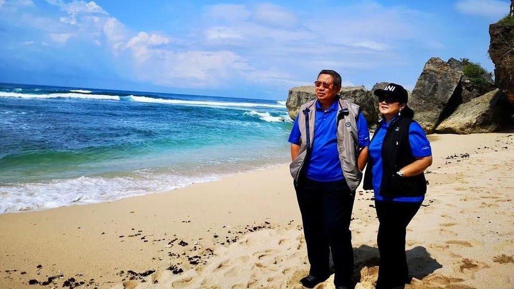 Foto: Ani Yudhoyono dan Pantai-pantai Indah di Gunungkidul