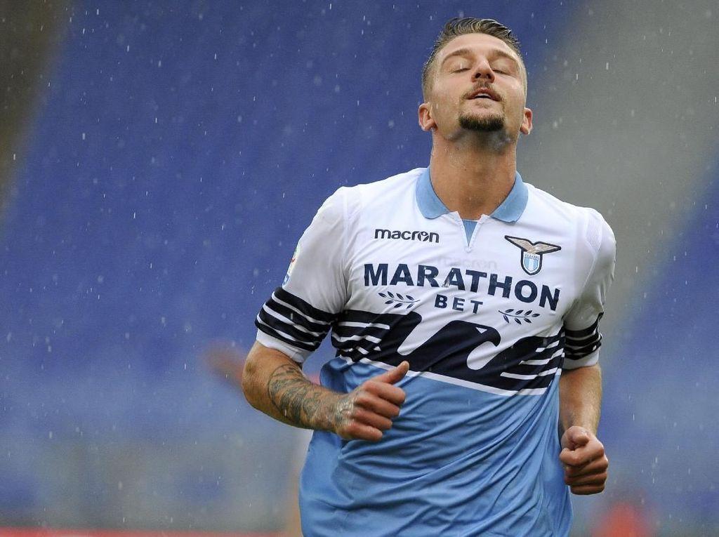 Lazio: Belum Ada Negosiasi dengan PSG untuk Milinkovic-Savic