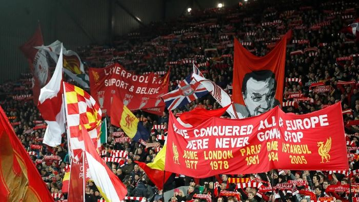 Susana fans Liverpool di Anfield. (Foto: Carl Recine/Reuters)