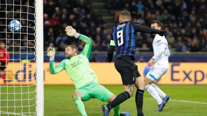 Mauro Icardi saat membobol gawang PSV Eindhoven (Stefano Rellandini/Reuters)