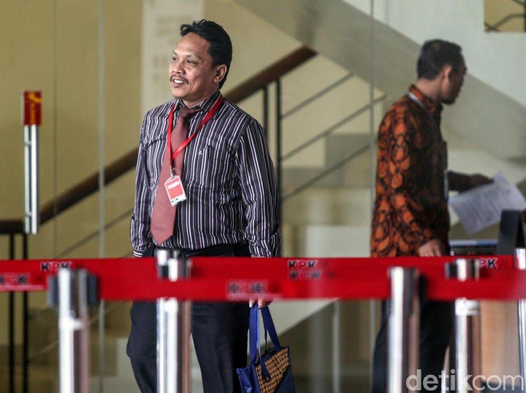 Ketua PN Semarang Purwono Edi Diperiksa KPK