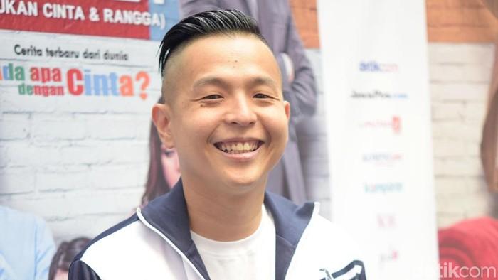 Ernest Prakasa Enggan Komentari Masalahnya dengan Arie Untung