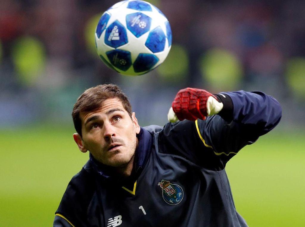 Dukungan Mengalir ke Casillas: Dari Barcelona, Liverpool sampai Ronaldo