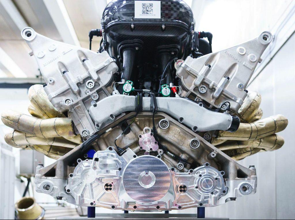 Hybrid Super Aston Martin saat Adopsi Teknologi F1