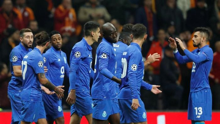 FC Porto menjadi kampiun Liga Portugal musim lalu. Do Dragao meraup keuntungan sekitar Rp 1,7 triliun atau sebesar 106 juta euro. (Foto: Osman Orsal/Reuters).