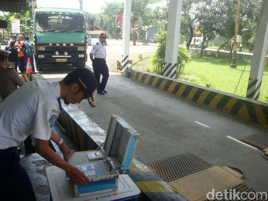 Jembatan Timbang Online Solusi Berantas Pungli Truk Obesitas