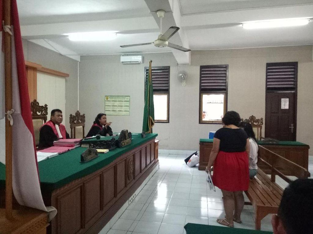 WN Inggris Penampar Staf Imigrasi Bali Bikin Ricuh, Hakim: Shut Up!