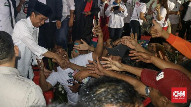 Jokowi Minta Relawan Kerja Keras Kuasai Kabupaten Bogor