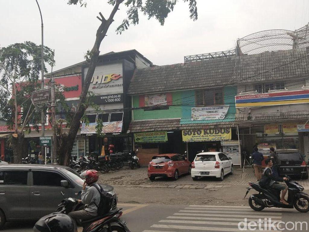Potret Parkiran Saksi Bisu Pengeroyokan Anggota TNI di Ciracas