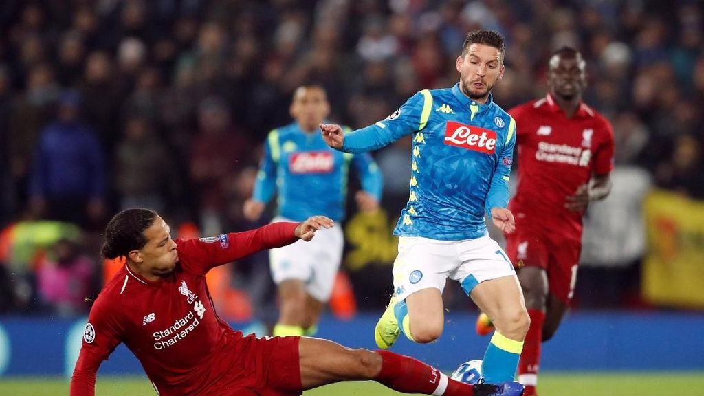 Ancelotti: Van Dijk Layak Dikartu Merah