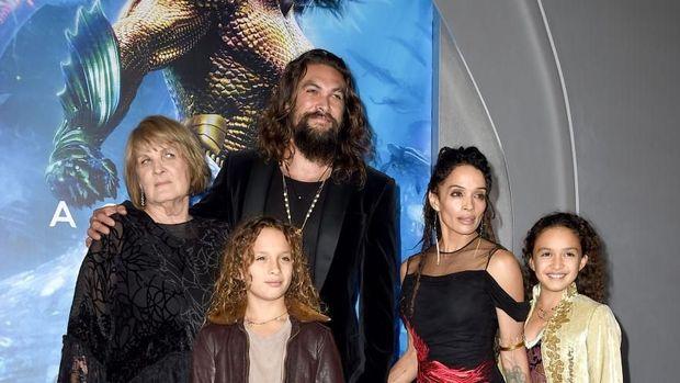 Alasan Menyentuh Jason 'Aquaman' Momoa Tak Potong Rambut