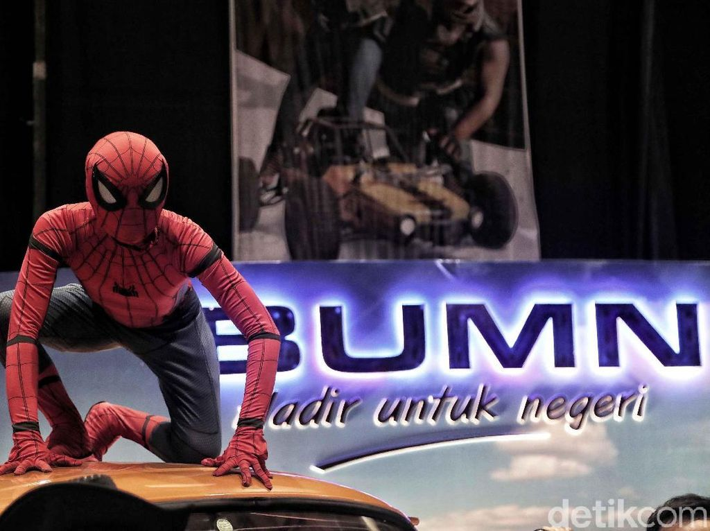 Spiderman Hingga Darth Vader di Pesta Milenial BUMN