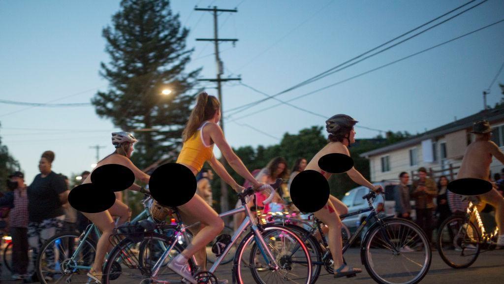 Mengintip Gowes Sepeda Bugil yang Kontroversial di AS