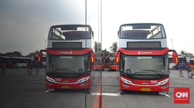 Bus Transjakarta beratap terbuka akan digunakan untuk pawai Persija juara Liga 1 2018. (